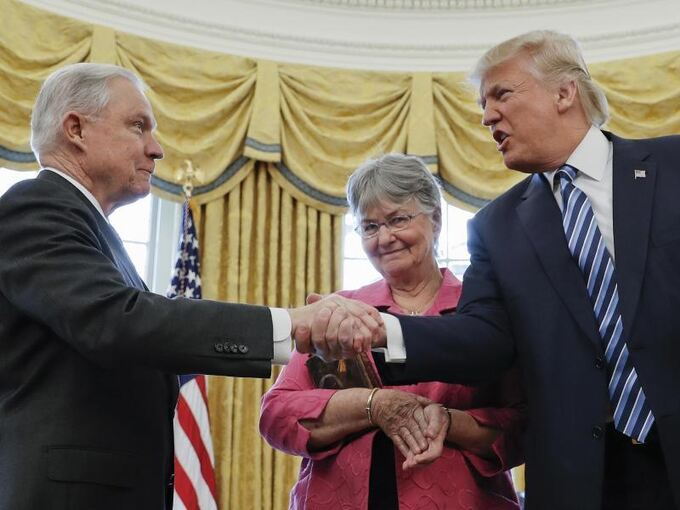 Donald Trump und Jeff Sessions