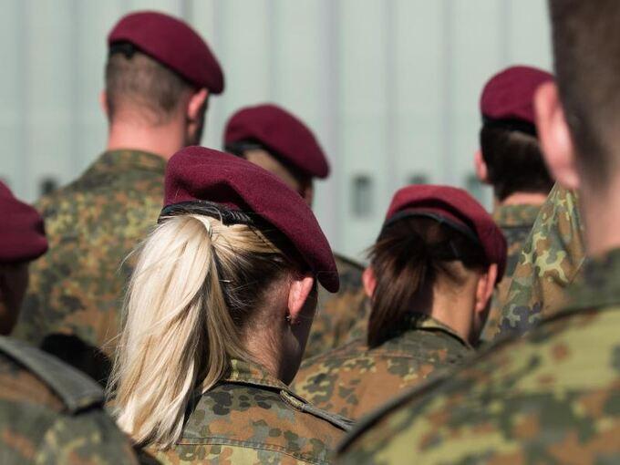 Soldat will lange Haare tragen - Bundesgericht lehnt ab