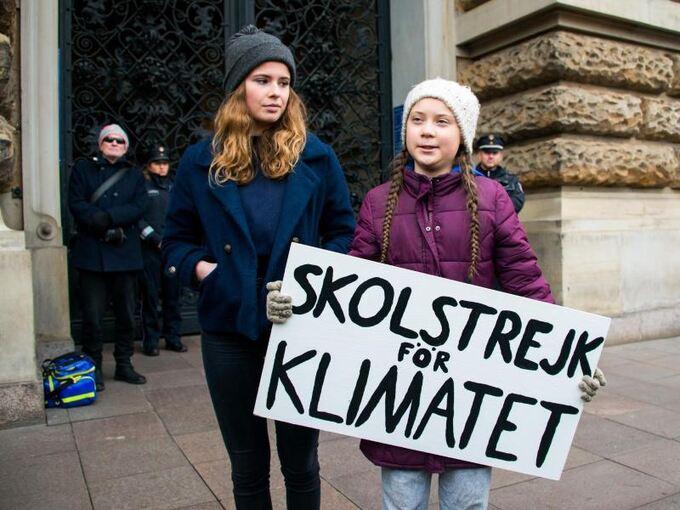Fridays For Future Detail: Greta Thunberg Demonstriert Mit Tausenden In Hamburg