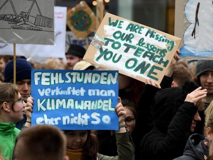 Fridays For Future Detail: Schüler In Mehr Als 100 Staaten Verlangen Mehr Klimaschutz