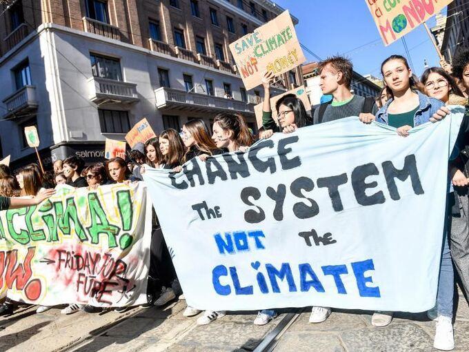 Fridays For Future Detail: Weltweit Schülerproteste Fürs Klima In Mehr Als 100