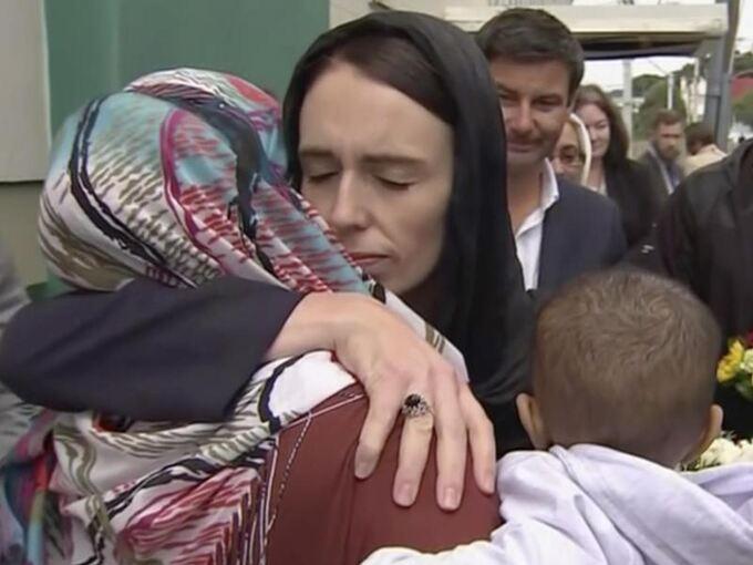 Jacinda Ardern Detail: Neuseelands Premierministerin Wird Krisenmanagerin