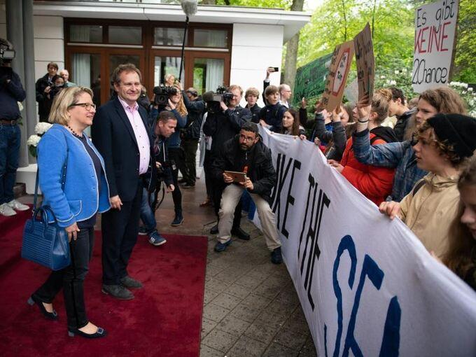 Fridays For Future Detail: Länder-Umweltminister: Regierung Soll CO2-Steuer Prüfen