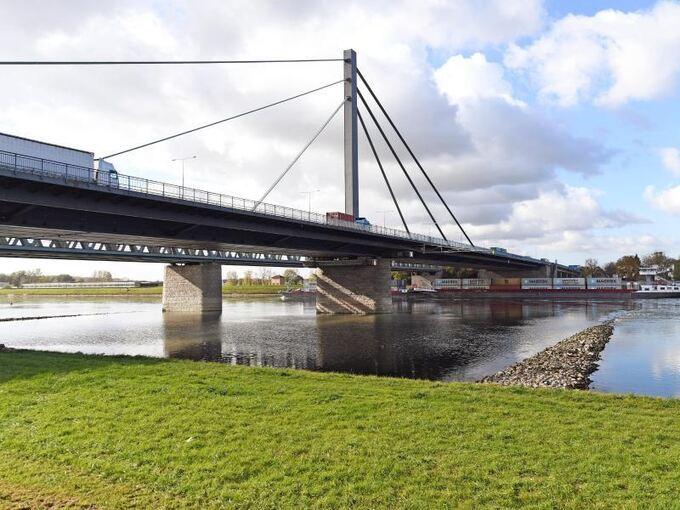 Karlsruhe Rheinbrücke