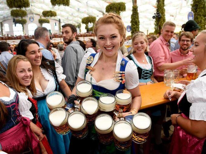 Sonne, Bier und Volksfeststimmung: Oktoberfest hat