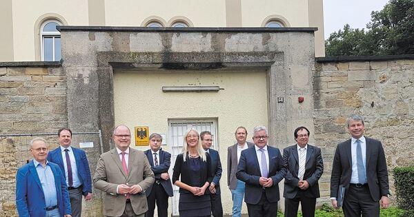 Landesregierung-plant-f-r-die-Zukunft-ein-Demokratie-Zentrum-in-Ludwigsburg